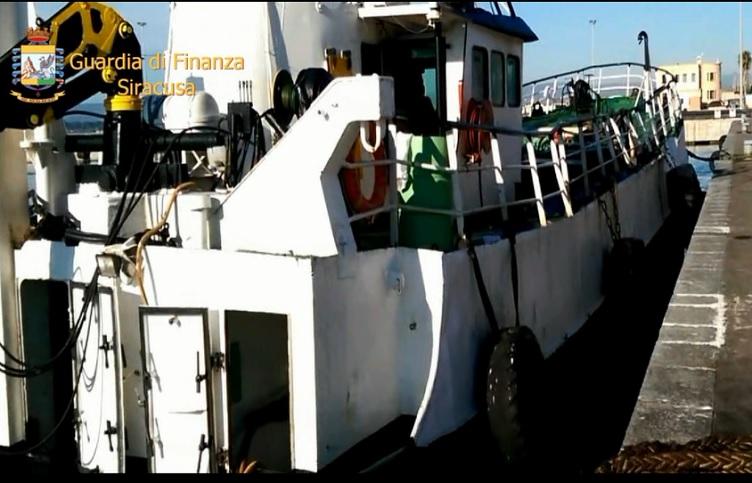 Siracusa, intercettata nave con carburante di contrabbando