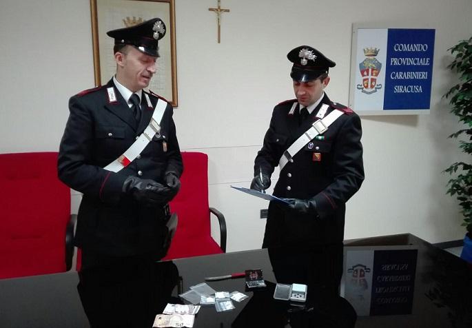 Sequestrati 15 kg di cocaina, arrestati 24enne e ragazzino di 14 anni