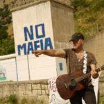 """Musica, il rock siciliano di Carlo De Vita per un mondo senza violenza. """"Stop"""" il nuovo video"""